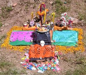 Day_of_dead_shrine