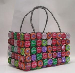Tin_bottle_cap_basket